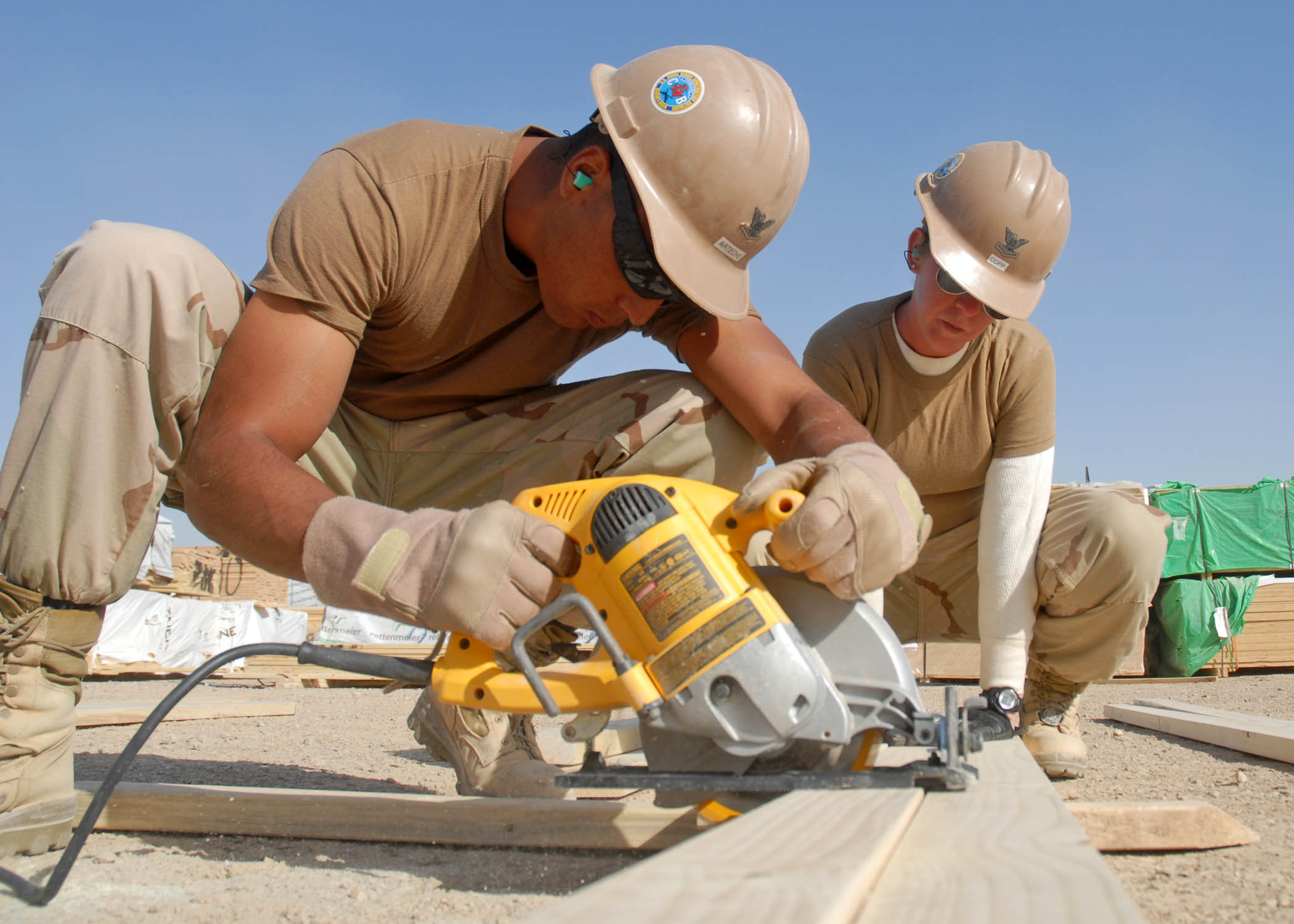 Pronto spanish for construction workers training course by for Builder contractors
