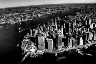 Black and white image of New York city